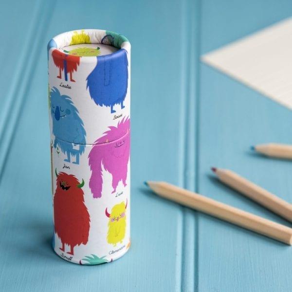 Färgpennor i Trä - Glada Monster