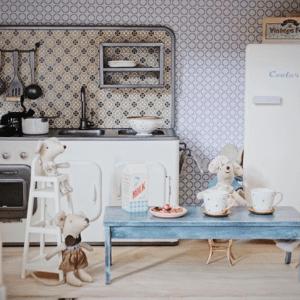 Hög Barnmatstol för Kaniner och Möss lillastork.se